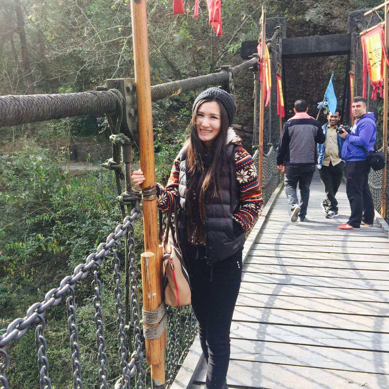 chengdu westchinago tour guide: Heather