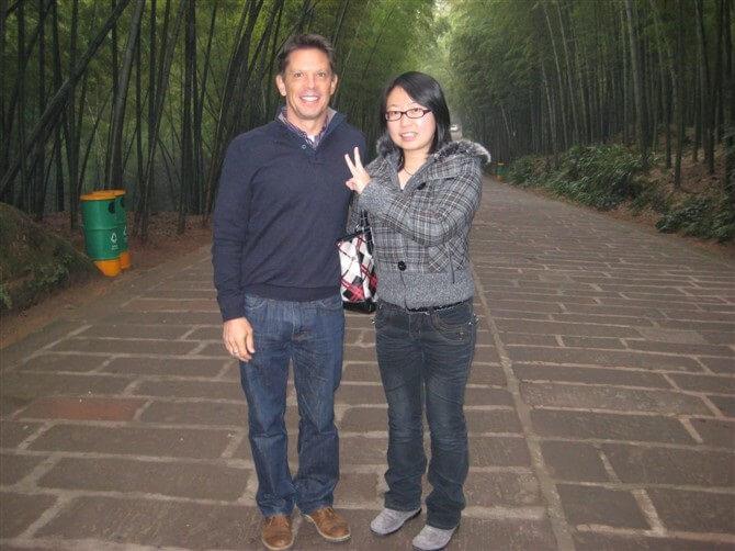 chengdu tour guide: Winnie