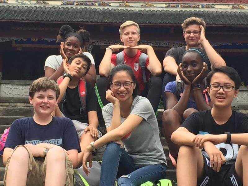 chengdu westchinago tour guide