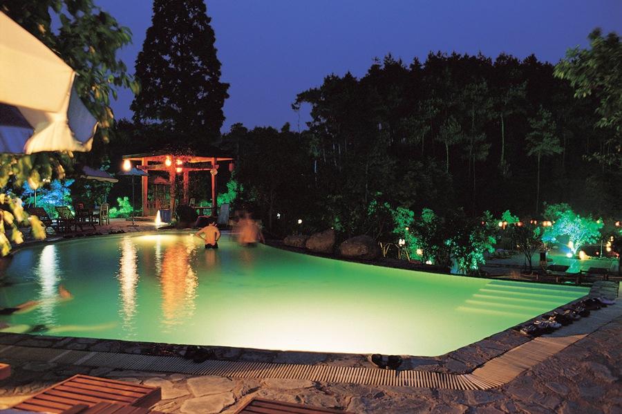 mount emeishan hot spring
