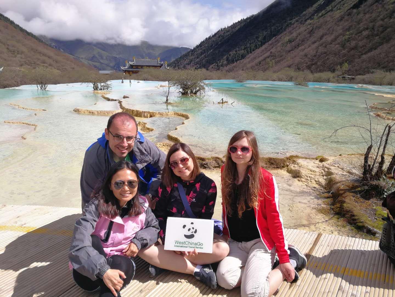 photo in jiuzhaigou tour