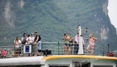 guilin li river cruise 4 star boat