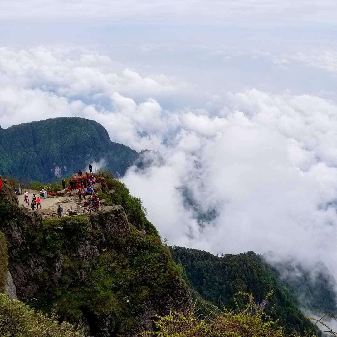 mountain emei Tour