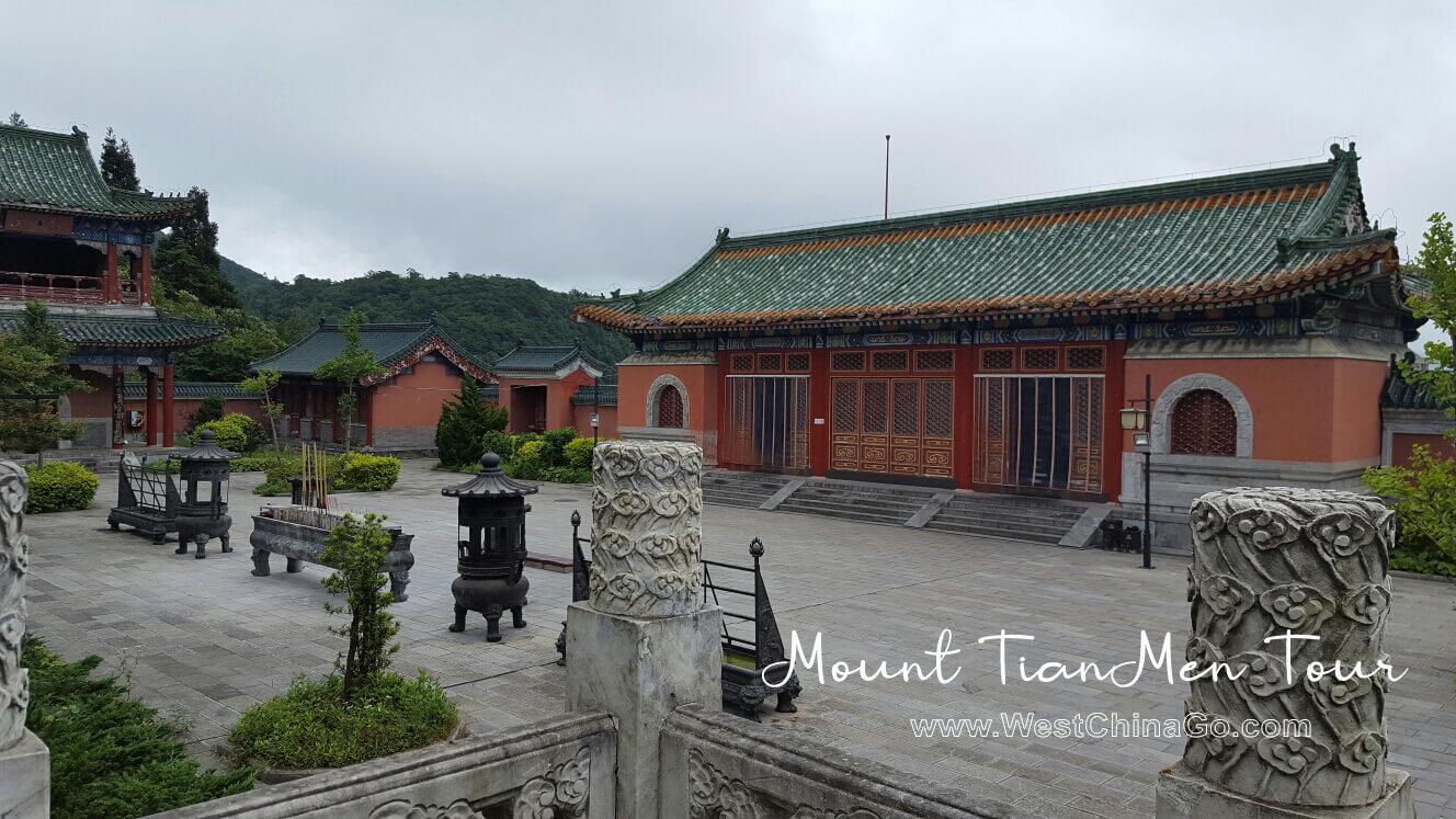 China ZhangJiaJie mount tianmen Tours