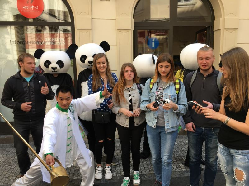 chengdu tour, czech