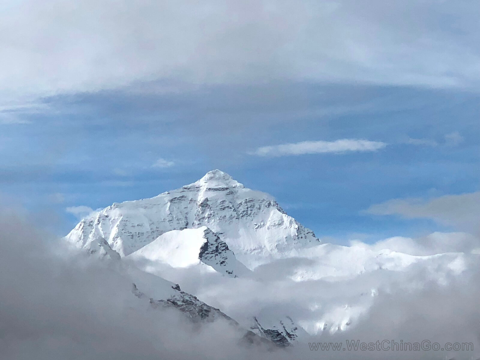 the everest mountain