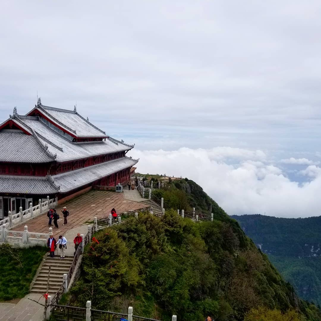 mountain emei Tour